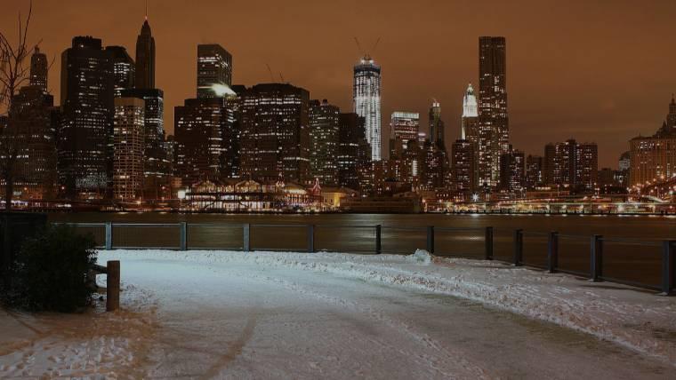 New York i bakgrunden